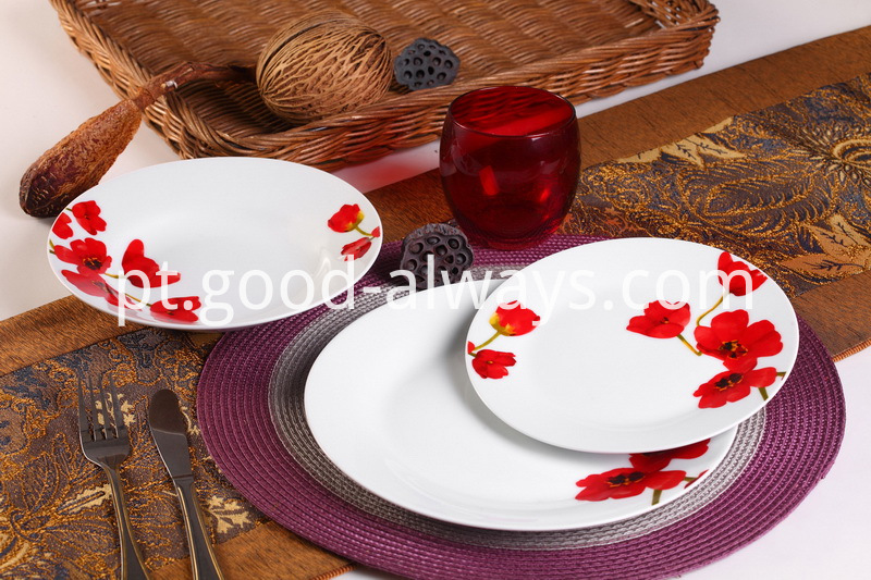 Red Floral Porcelain Dinner Set
